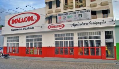 Abriu a primeira filial de varejo na cidade de Caetité